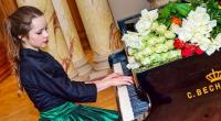 Julia Sinani - Pianist